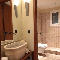 Отель Elegant & Cozy Central Apt • 5' to Athens Metro St ванная фото 2