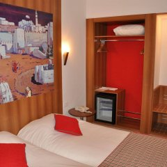 Hotel Carlton in Tunis, Tunisia from 80$, photos, reviews - zenhotels.com in-room amenity