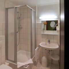 Отель Martha Dresden Германия, Дрезден - отзывы, цены и фото номеров - забронировать отель Martha Dresden онлайн ванная фото 2