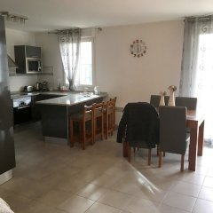 Апартаменты Apartment With 2 Bedrooms in Bagnolet, With Terrace and Wifi в номере фото 2