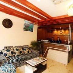 Отель Readers Inn Pvt.Ltd Непал, Катманду - отзывы, цены и фото номеров - забронировать отель Readers Inn Pvt.Ltd онлайн гостиничный бар