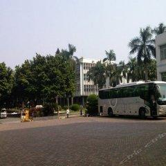 Huashi Hotel городской автобус