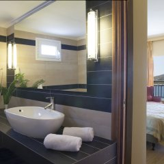 Отель Dolce Attica Riviera ванная