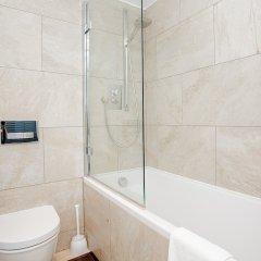 Отель Exquisite 2 Bedroom Apartment In Bank Великобритания, Tottenham - отзывы, цены и фото номеров - забронировать отель Exquisite 2 Bedroom Apartment In Bank онлайн ванная
