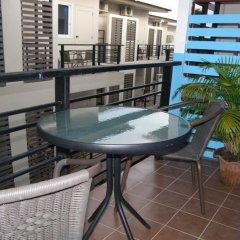 Отель Sooi-Tee Guest House 2 Таиланд, Паттайя - отзывы, цены и фото номеров - забронировать отель Sooi-Tee Guest House 2 онлайн балкон