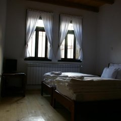 Отель Mutafova Guest House Шумен комната для гостей фото 2