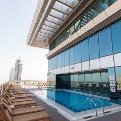 Отель Four Points By Sheraton Sheikh Zayed Road ОАЭ, Дубай - 1 отзыв об отеле, цены и фото номеров - забронировать отель Four Points By Sheraton Sheikh Zayed Road онлайн бассейн