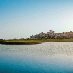 Отель St. Regis Saadiyat Island Абу-Даби приотельная территория