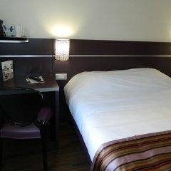 Hotel Arles Plaza Арль сейф в номере
