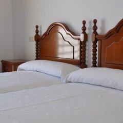 Отель Hostal Mourelos Испания, Эль-Грове - отзывы, цены и фото номеров - забронировать отель Hostal Mourelos онлайн комната для гостей