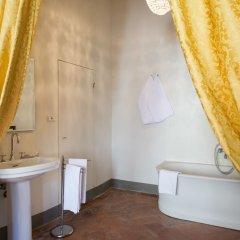 Отель B&B Palazzo Tortoli Италия, Сан-Джиминьяно - отзывы, цены и фото номеров - забронировать отель B&B Palazzo Tortoli онлайн ванная