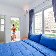 Апартаменты Patong Studio Apartments комната для гостей фото 3