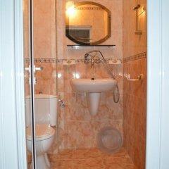 Отель Stamatovi Family Hotel Болгария, Поморие - отзывы, цены и фото номеров - забронировать отель Stamatovi Family Hotel онлайн ванная фото 2