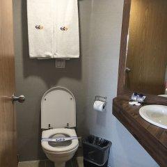 Отель Ibeurohotel Expo Мексика, Гвадалахара - отзывы, цены и фото номеров - забронировать отель Ibeurohotel Expo онлайн ванная
