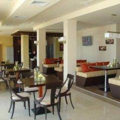 Отель Golden Beach Aparthotel Болгария, Солнечный берег - отзывы, цены и фото номеров - забронировать отель Golden Beach Aparthotel онлайн питание