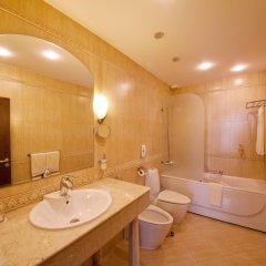 Отель Grand Hotel London Болгария, Варна - 1 отзыв об отеле, цены и фото номеров - забронировать отель Grand Hotel London онлайн ванная