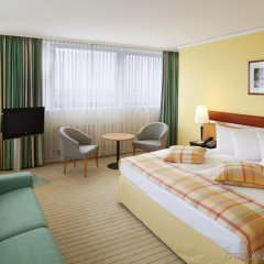 Отель Holiday Inn Berlin Airport - Conference Centre комната для гостей фото 5