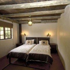 Отель Avoca River Cabins сейф в номере