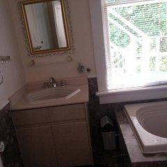 Отель Balfour House Канада, Ванкувер - отзывы, цены и фото номеров - забронировать отель Balfour House онлайн ванная