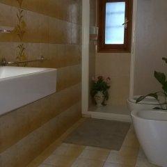 Отель Alloggi Al Gallo ванная