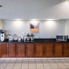 Отель Motel 6 Columbus OSU США, Колумбус - отзывы, цены и фото номеров - забронировать отель Motel 6 Columbus OSU онлайн питание