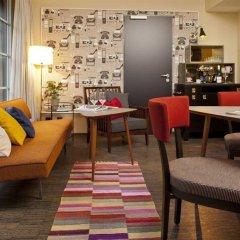 Отель Henri Hotel Hamburg Downtown Германия, Гамбург - 1 отзыв об отеле, цены и фото номеров - забронировать отель Henri Hotel Hamburg Downtown онлайн интерьер отеля фото 3
