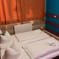 Отель HOLI-Berlin Hotel Германия, Берлин - отзывы, цены и фото номеров - забронировать отель HOLI-Berlin Hotel онлайн комната для гостей фото 4