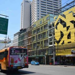 Gn Luxury Hostel Бангкок городской автобус