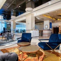 Отель Crowne Plaza Tel Aviv Beach интерьер отеля фото 3