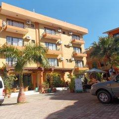 Отель Pokhara Village Resort Непал, Покхара - отзывы, цены и фото номеров - забронировать отель Pokhara Village Resort онлайн парковка