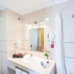 Апартаменты Oura View Beach Club Apartments ванная