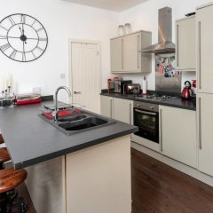 Отель Cosy 2BD Terrace House in Chorlton в номере фото 2