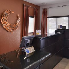Отель Best Western Royal Palace Inn & Suites США, Лос-Анджелес - отзывы, цены и фото номеров - забронировать отель Best Western Royal Palace Inn & Suites онлайн интерьер отеля фото 2