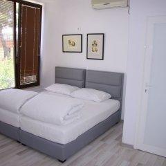 ART Hostel & Apartments Тирана комната для гостей фото 5