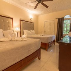Отель Travellers Beach Resort комната для гостей