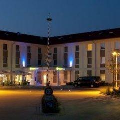 Отель Holiday Inn Express Munich Airport фото 8