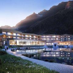 Отель Feuerstein Nature Family Resort Горнолыжный курорт Ортлер вид на фасад