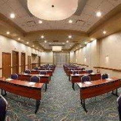 Отель SpringHill Suites Las Vegas Convention Center спортивное сооружение