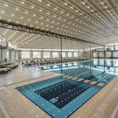 Отель Titanic Business Kartal бассейн