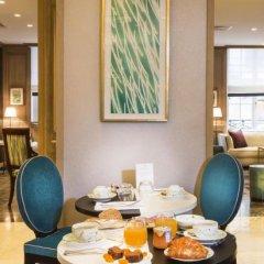 Hotel Balmoral - Champs Elysees Париж в номере