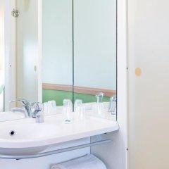 Отель ibis budget Lyon Gerland Франция, Лион - отзывы, цены и фото номеров - забронировать отель ibis budget Lyon Gerland онлайн ванная