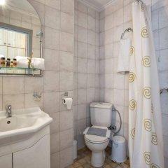 Отель Aurora Hotel Греция, Корфу - 1 отзыв об отеле, цены и фото номеров - забронировать отель Aurora Hotel онлайн ванная