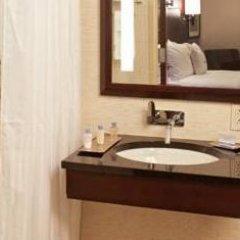 Отель DoubleTree by Hilton New York Downtown 4* Стандартный номер с различными типами кроватей фото 14