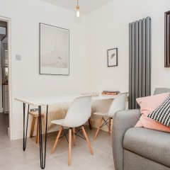Отель Modern Central 1-bed In Clerkenwell - Sleeps 4! Лондон комната для гостей фото 3