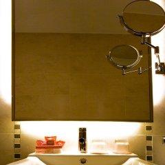Отель Room Mate Leo Испания, Гранада - отзывы, цены и фото номеров - забронировать отель Room Mate Leo онлайн ванная