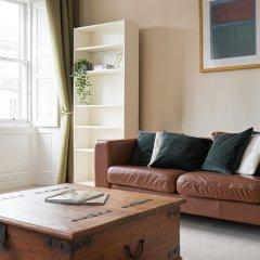 Апартаменты Spacious 3BR New Town Apartment Эдинбург комната для гостей фото 5