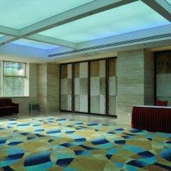 Oriental Garden Hotel бассейн