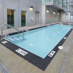 Отель Coast Coal Harbour Hotel Канада, Ванкувер - отзывы, цены и фото номеров - забронировать отель Coast Coal Harbour Hotel онлайн бассейн
