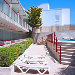 Отель Hostal Residencia Molins Park бассейн