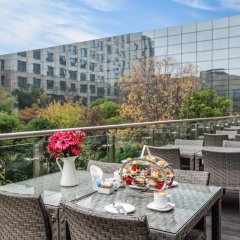 Отель Holiday Inn Shanghai Hongqiao балкон